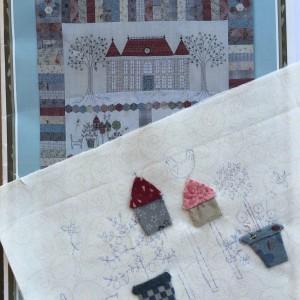 chateau hexagon quilt Lynette Anderson