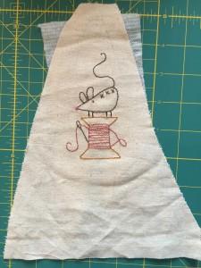 ratón bordado a mano lino