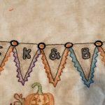 Quilt Mystery Salem Witches mesa bordada