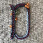 Letras G y D del abecedario bordado a mano